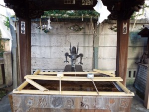 高山神社の手水舎